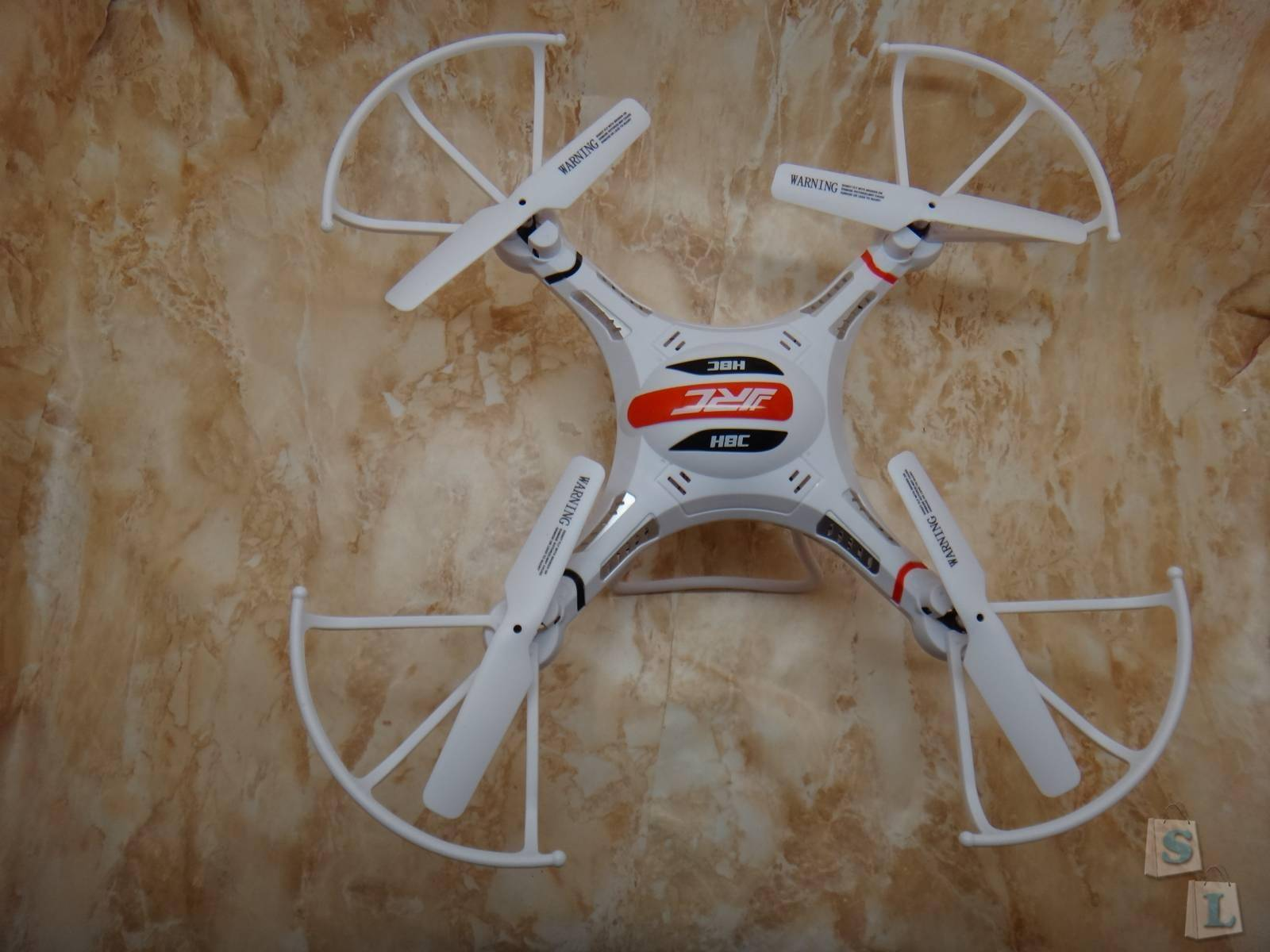 Banggood: Квадрокоптер JRC H8C  с 6 осевым гироскопом и 2.0 Мп камерой для новичка