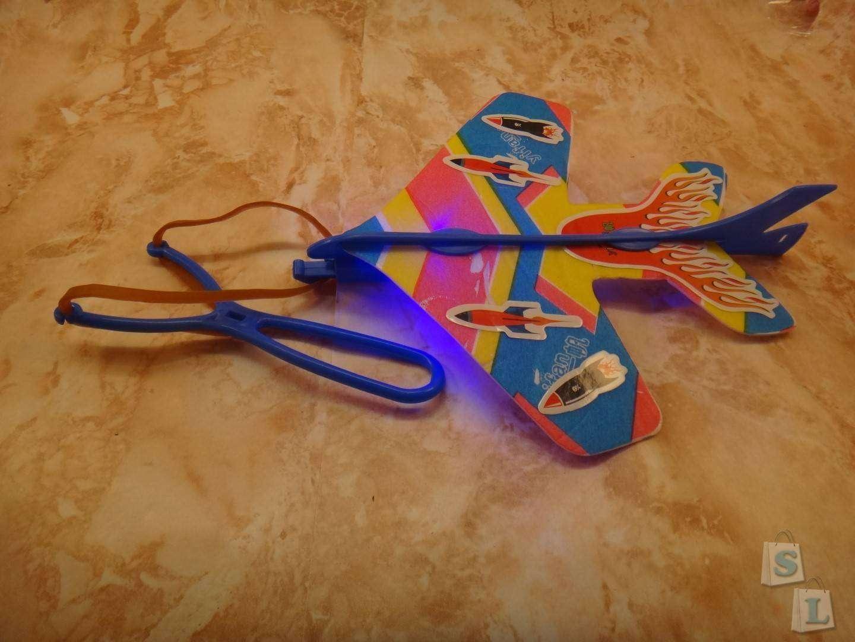 Banggood: Детский самолетик планер с рогаткой стартером