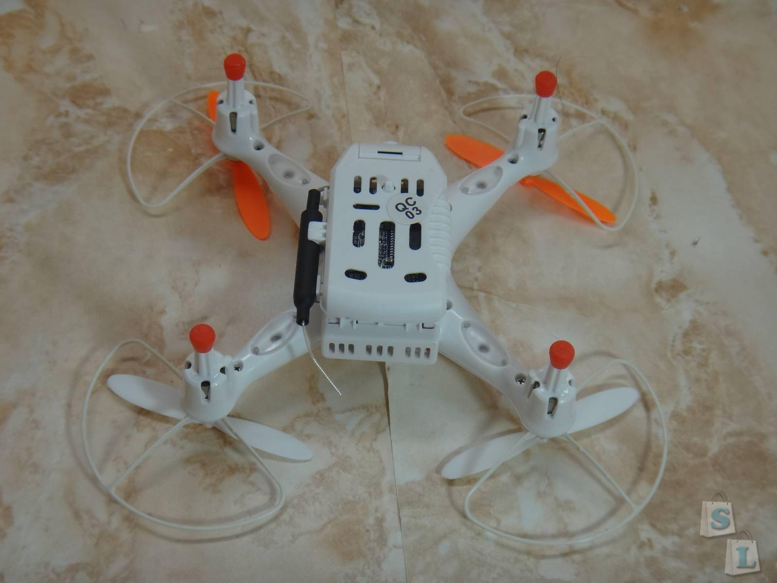 Banggood: Квадрокоптер Cheerson CX-30W с WiFi First Person View или телефон в роли пульта