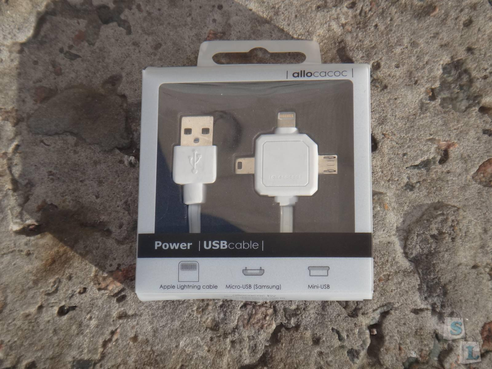 Современный POWER Cable 3 в 1 - miniUSB, microUSB и Apple Lightning от Allocacoc