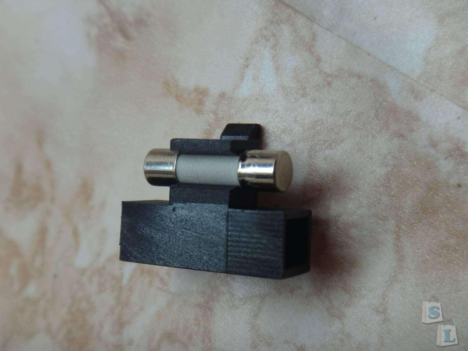 Тройник ReWirable USB от Allocacoc который поможет забыть о совместимости розеток разных стран