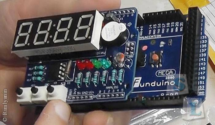 DealExtreme: DIY Clock на основе arduino
