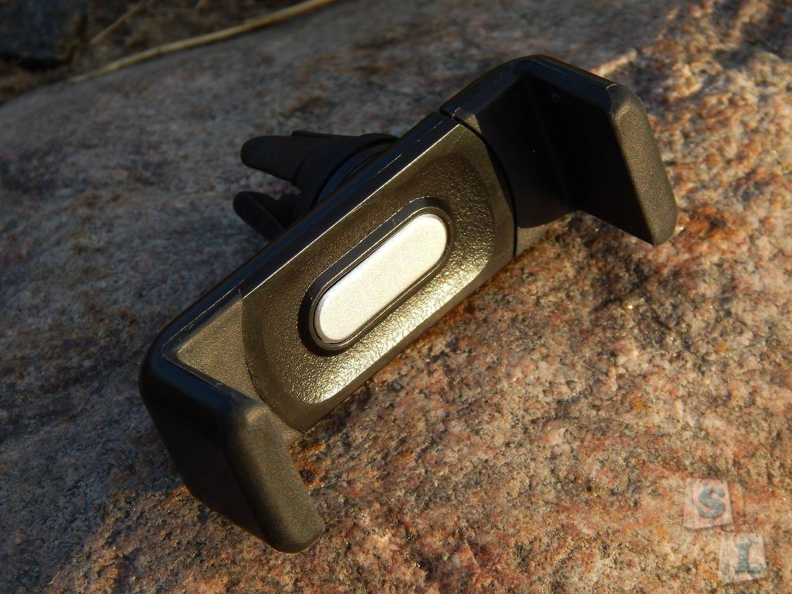 Banggood: Универсальный держатель для смартфонов в автомобиль