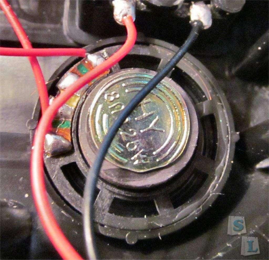 ChinaBuye: Запитываем автомобильные часы от старой телефонной 'зарядки'