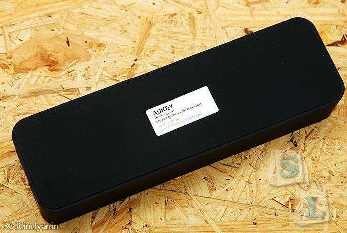 JD.com: Aukey CB-H18 - USB 3.0 хаб + зарядка