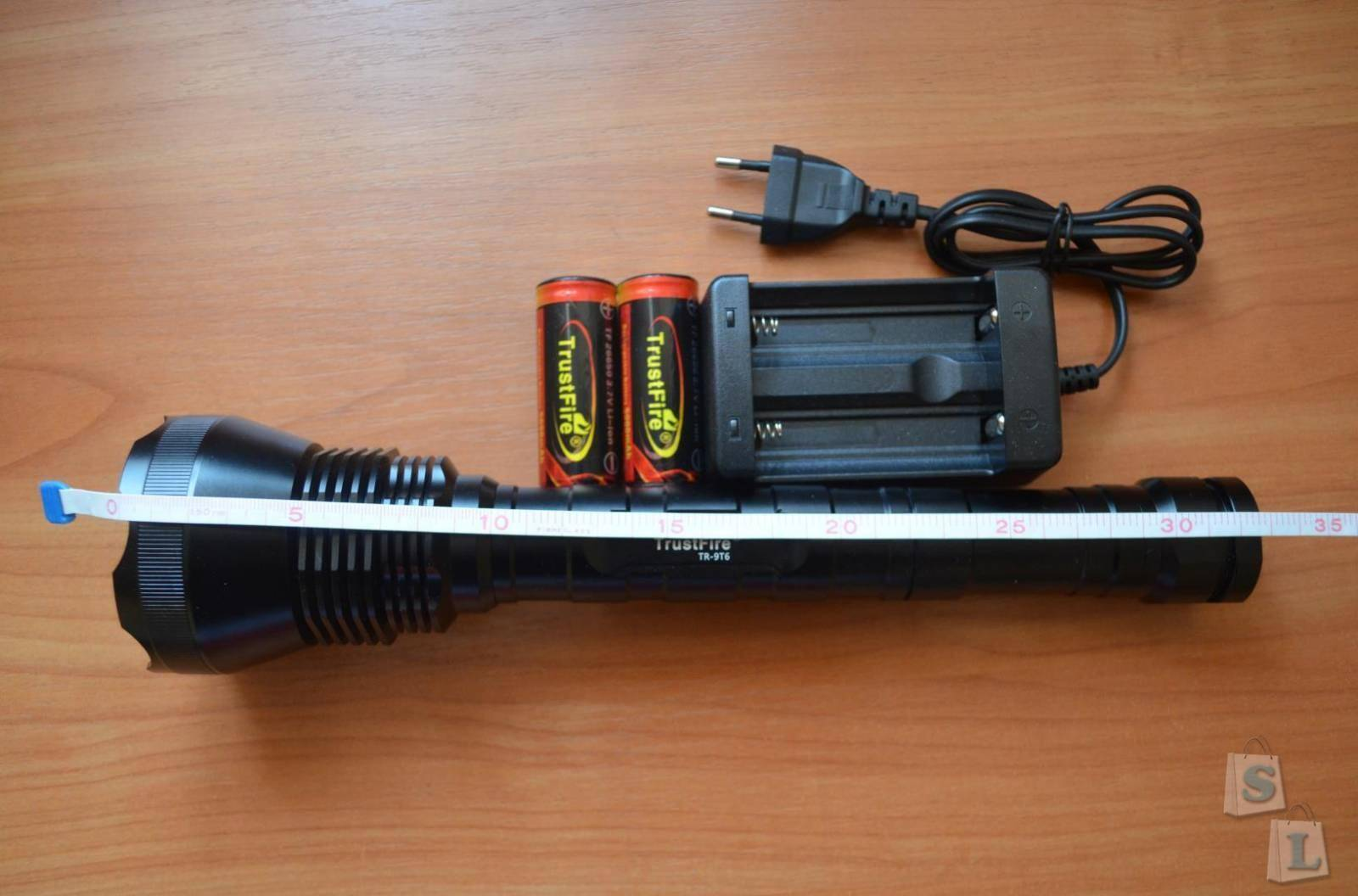 TomTop: LED фонарь TrustFire Lumen 11000