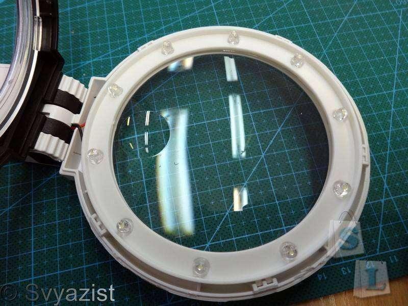 Banggood: Большая лупа на подставке со светодиодной подсветкой.