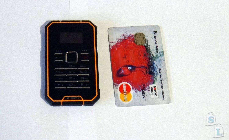 Banggood: OINOM a1300 мини телефон - картфон который не боится воды и падений