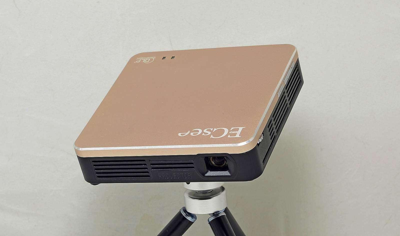Aliexpress: Карманный проектор  ECsee-ES135