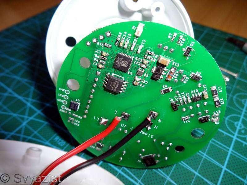 Другие - Китай: Slampher. Патрон-переходник E27 с управлением по Wi-Fi и радиоканалу для «умного дома»