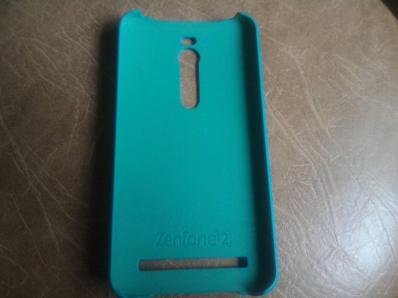 GearBest: Оригинальный чехол для Asus ZenFone 2 (5.5')