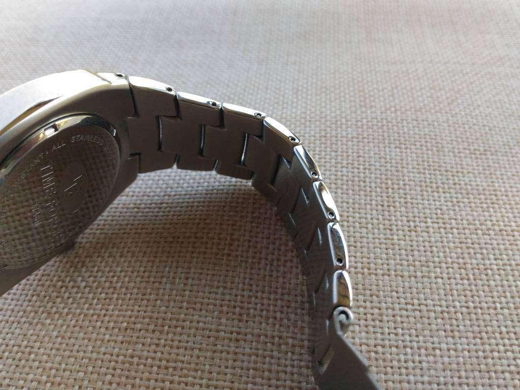 Aliexpress: Стальные часы Time Force в спортивном стиле