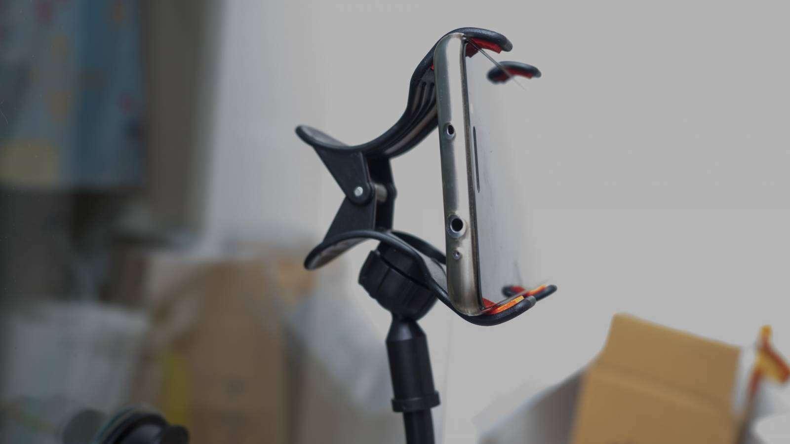 GearBest: Универсальный держатель для смартфона