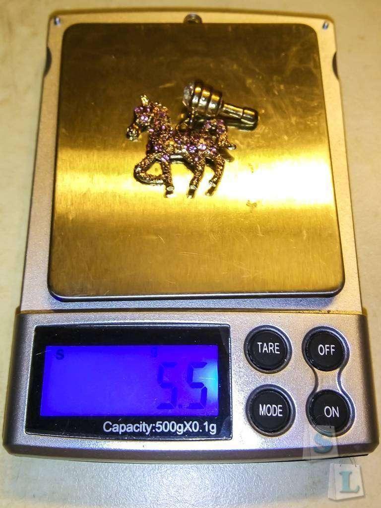 GearBest: Противопылевая заглушка для телефона в форме лошади