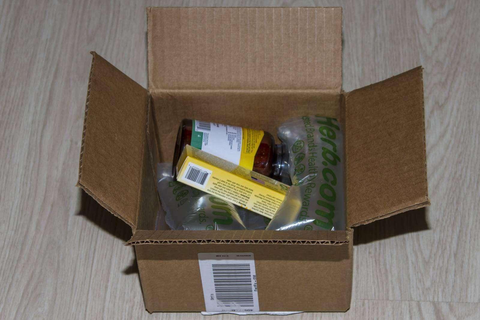 IHerb: Заказ с Iherb - Country Life, Maxi-Hair, 90 таблеток и детская зубная паста GreenPeach