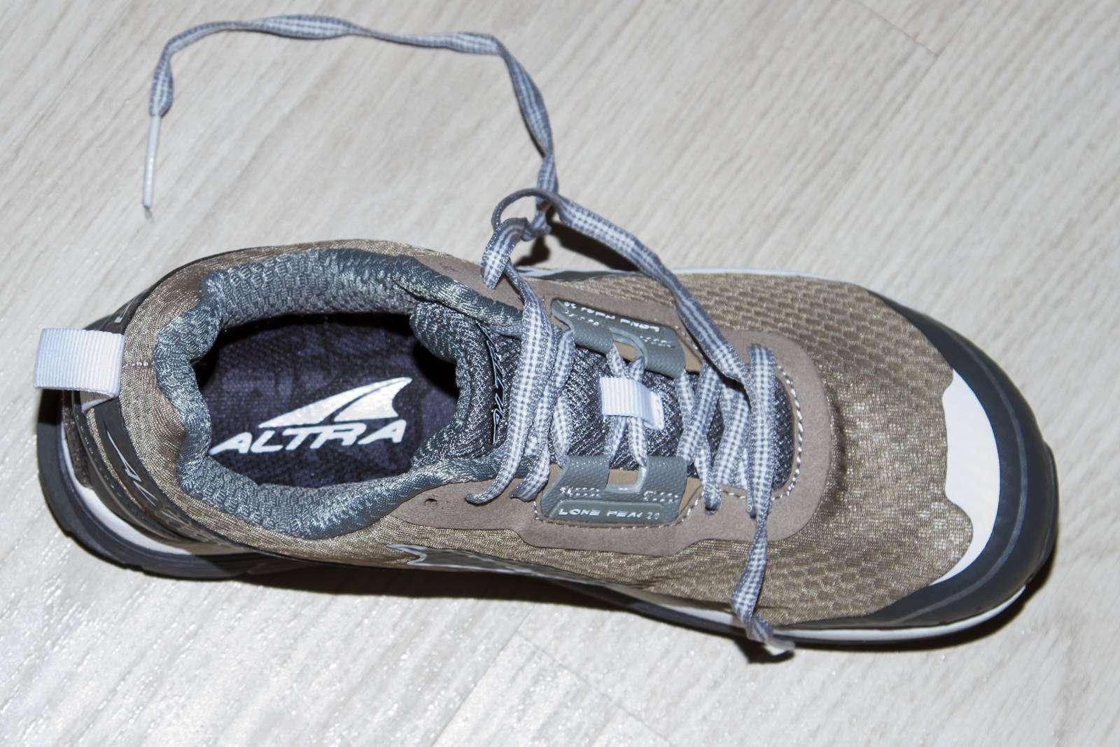 6pm: Беговые женские кроссовки Altra Footwear Lone Peak 2