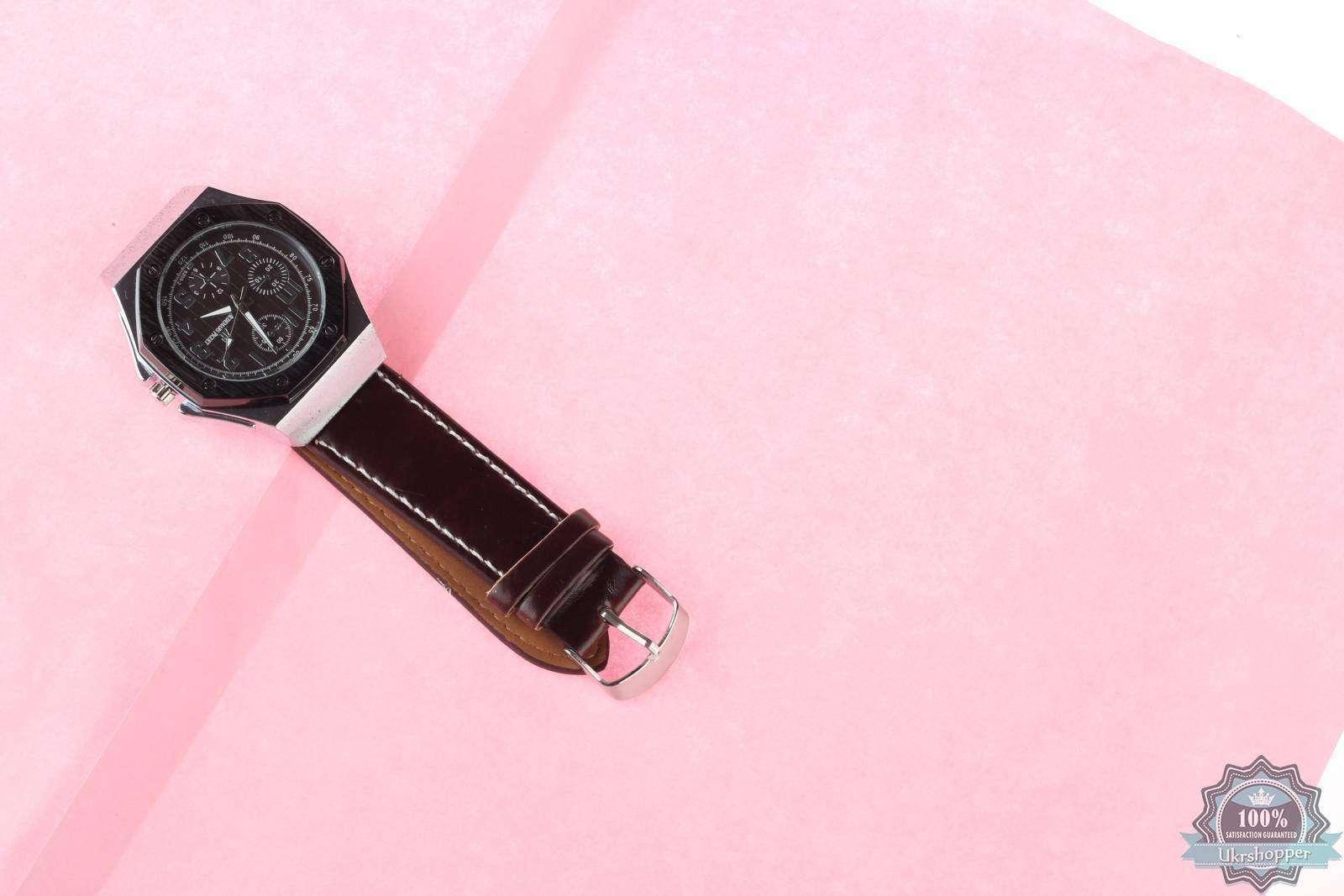 TinyDeal: Массивный кварцевый хронометр