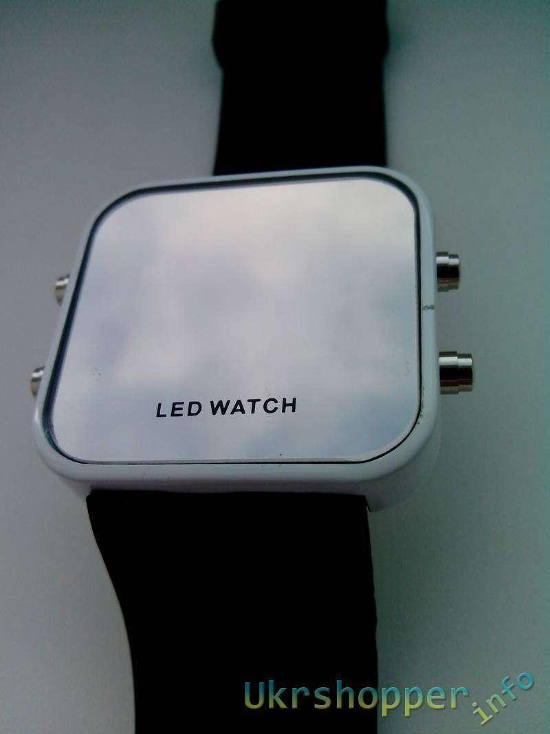 TinyDeal: LED часы