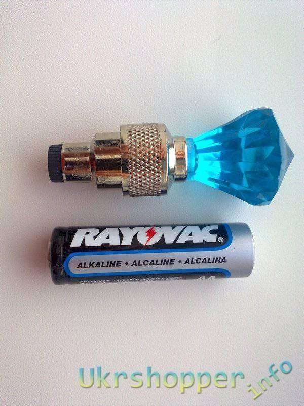 TinyDeal: 2 x LED лампы для для колес