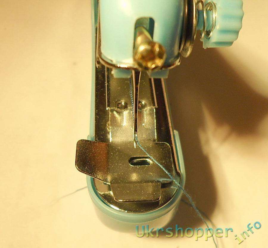 TinyDeal: Portable Clothes Fabrics Sewing Machine
