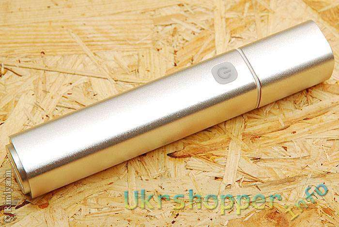 DealExtreme: И фонарик и повербанк, со сменным 18650 элементом.