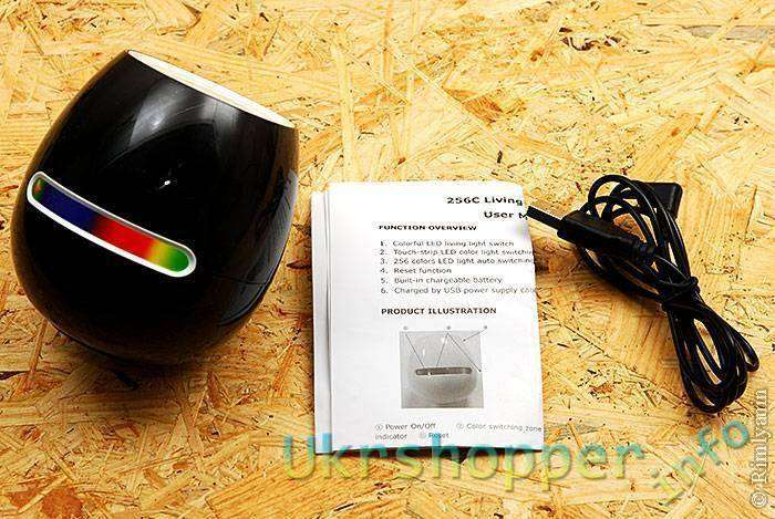 DealExtreme: Лампа светодиодная, меняющая цвет, с сенсорным управлением.
