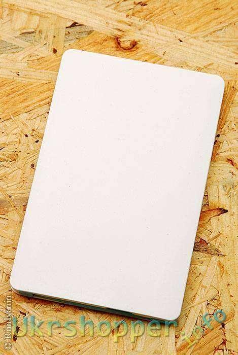 DealExtreme: CB001 -ультра-Thin белый повербанк