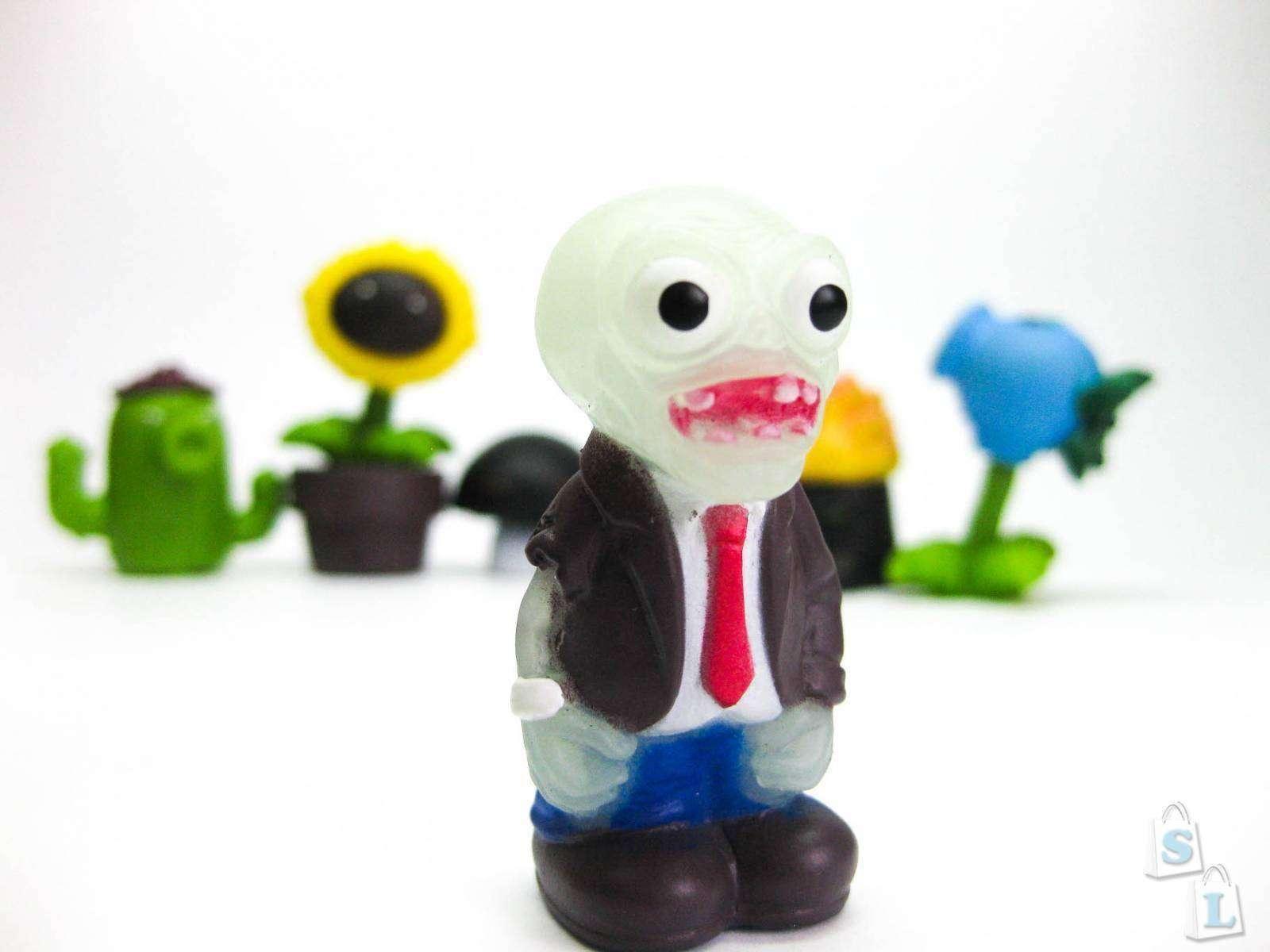 Sammydress: Фигурки из популярной игры - plants vs zombie (растения против зомби).