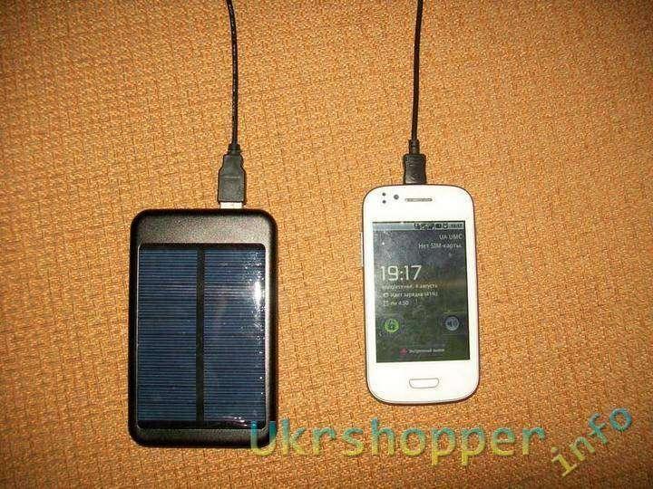 TinyDeal: Внешняя батарея с солнечной панелью