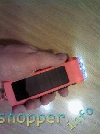 TinyDeal: Фонарик с солнечной панелью