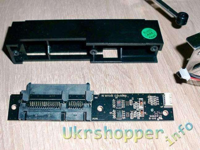 DealExtreme: ORICO 1106SS SATA \ Внутренний карман ORICO для HDD - черный
