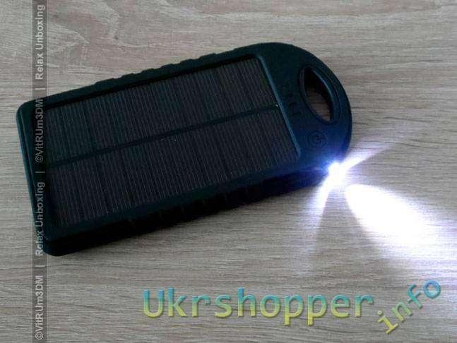 CninaBuye: Защищенный Пауэрбанк (PowerBank) с солнечной панелью и фонарем - YD-T011 - ёмкость 5000mAh.