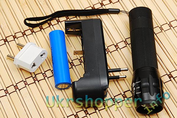 DealExtreme: Универсальное зарядное устройство для Li-ion аккумуляторов 18650, 14500, 17500, 18500, 10440, 16340