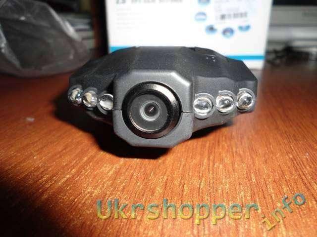DealExtreme: Недорогой автомобильный видеорегистратор