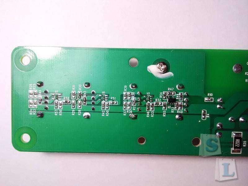 DealExtreme: 4-х портовая usb зарядка Vina