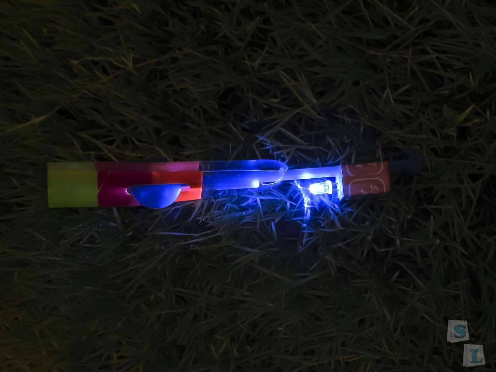 GearBest: Стрелка-вертолетик с синим светодиодом