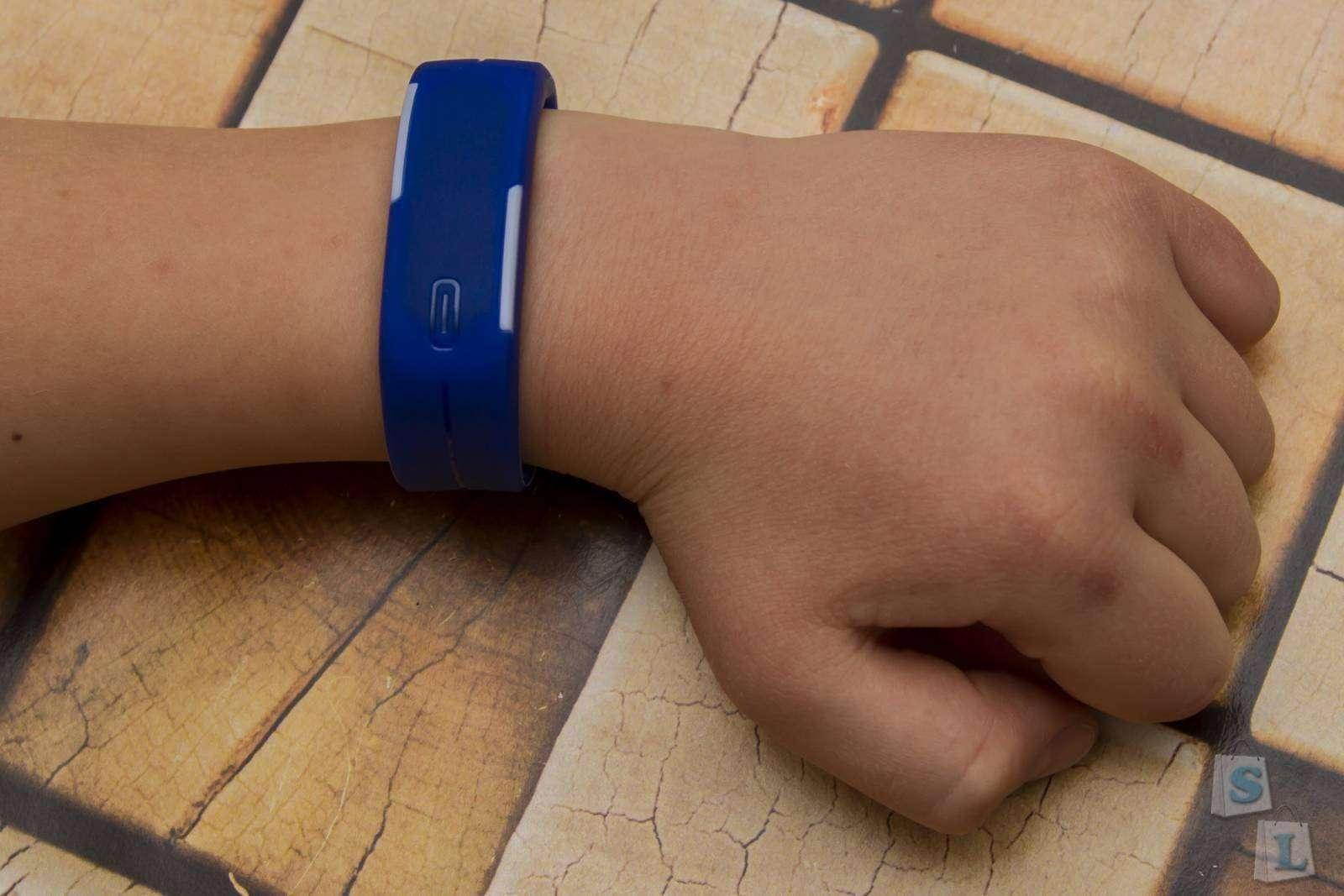 Aliexpress: Силиконовые электронные часы