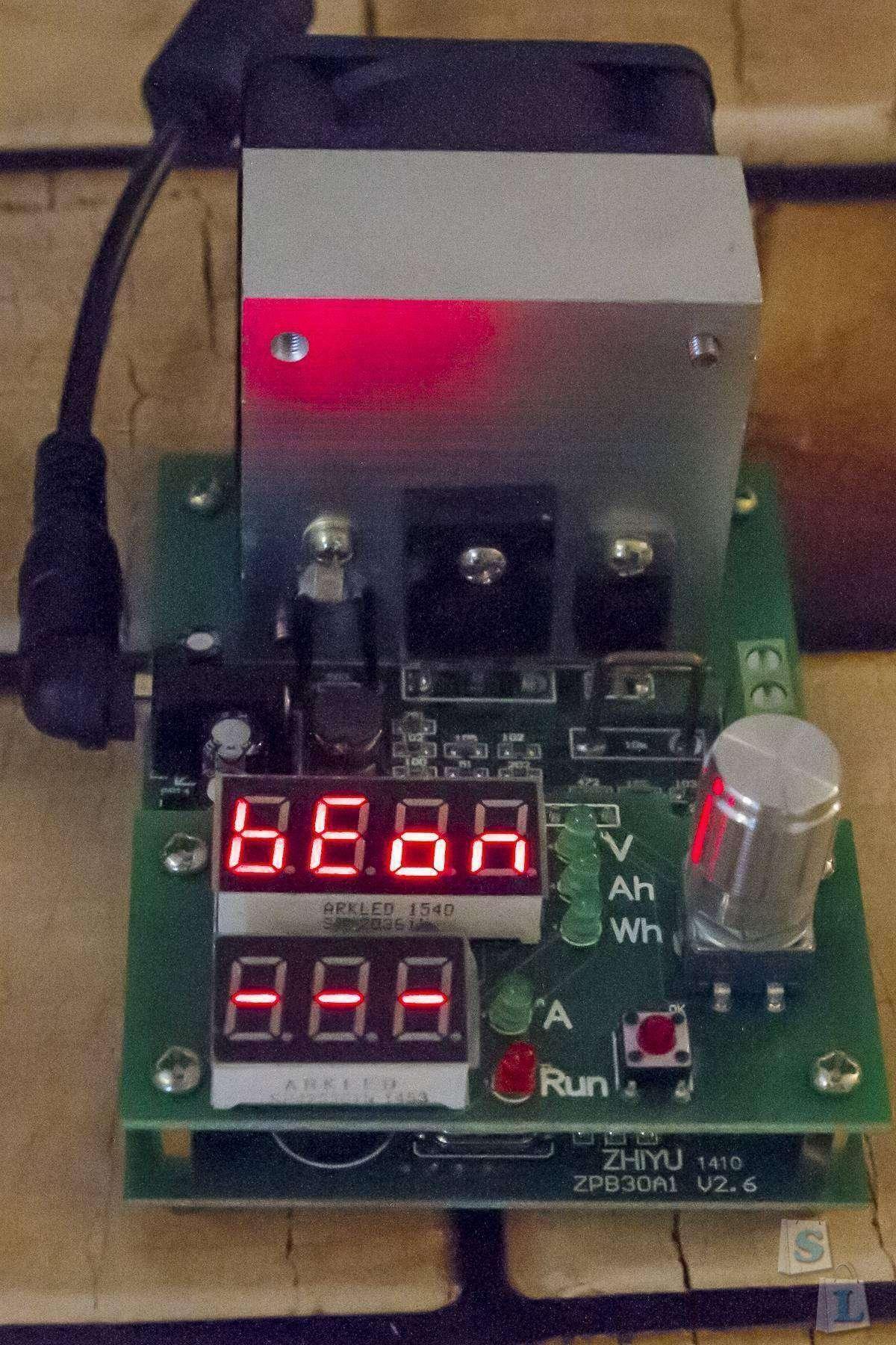 Banggood: Электронная нагрузка - тестер аккумуляторов, 60 Вт, 0-30 В, 0-9.99 А