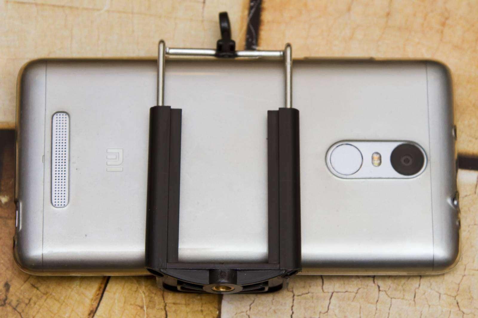 Banggood: Универсальный штативный держатель для смартфонов