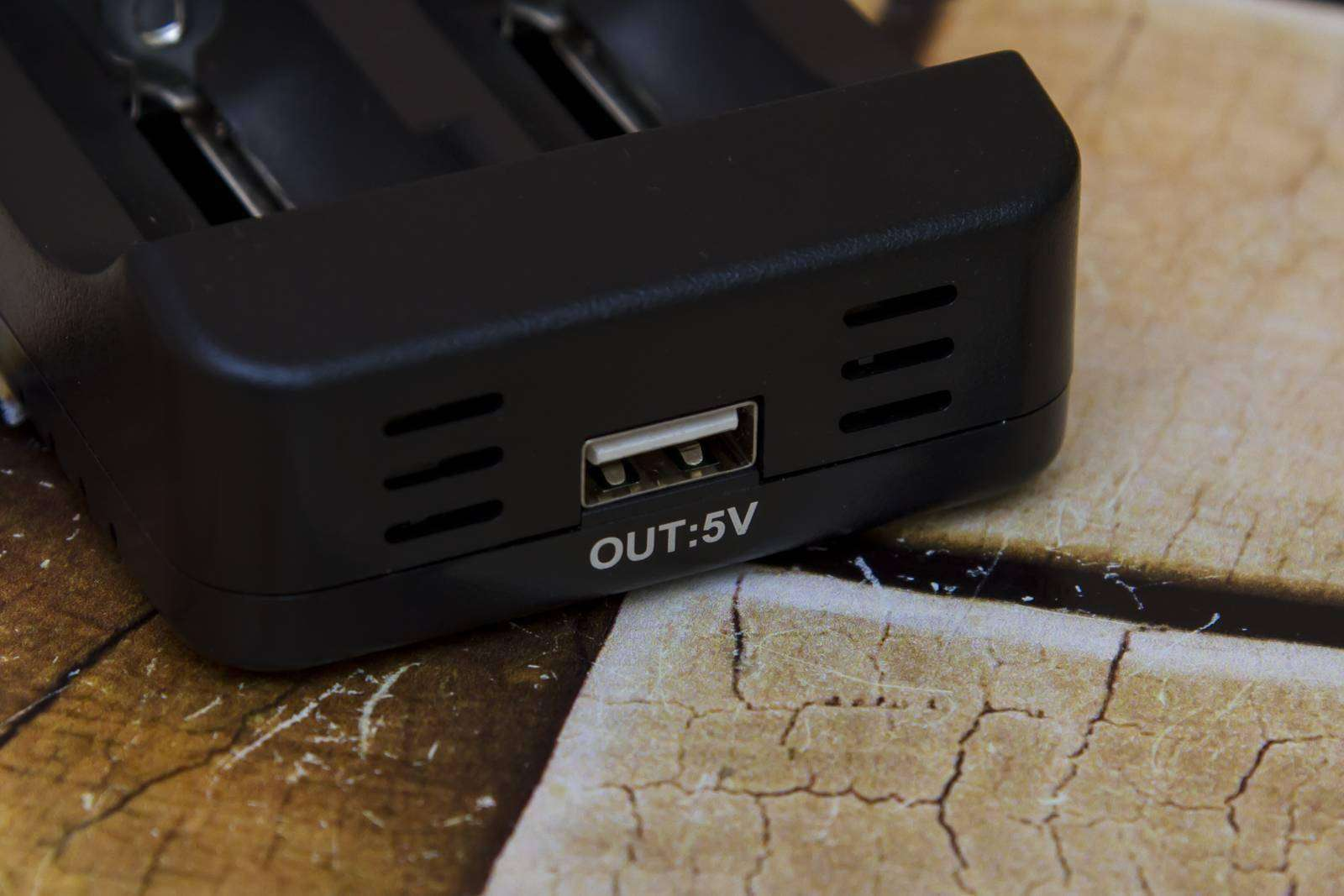 GearBest: Недорогие домашние зарядки, часть 8 - Liitokala Lii - 300