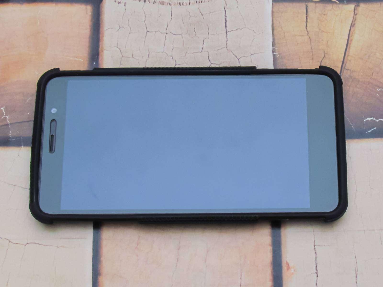 Aliexpress: Защитный чехол-подставка для Xiaomi Redmi Note 3
