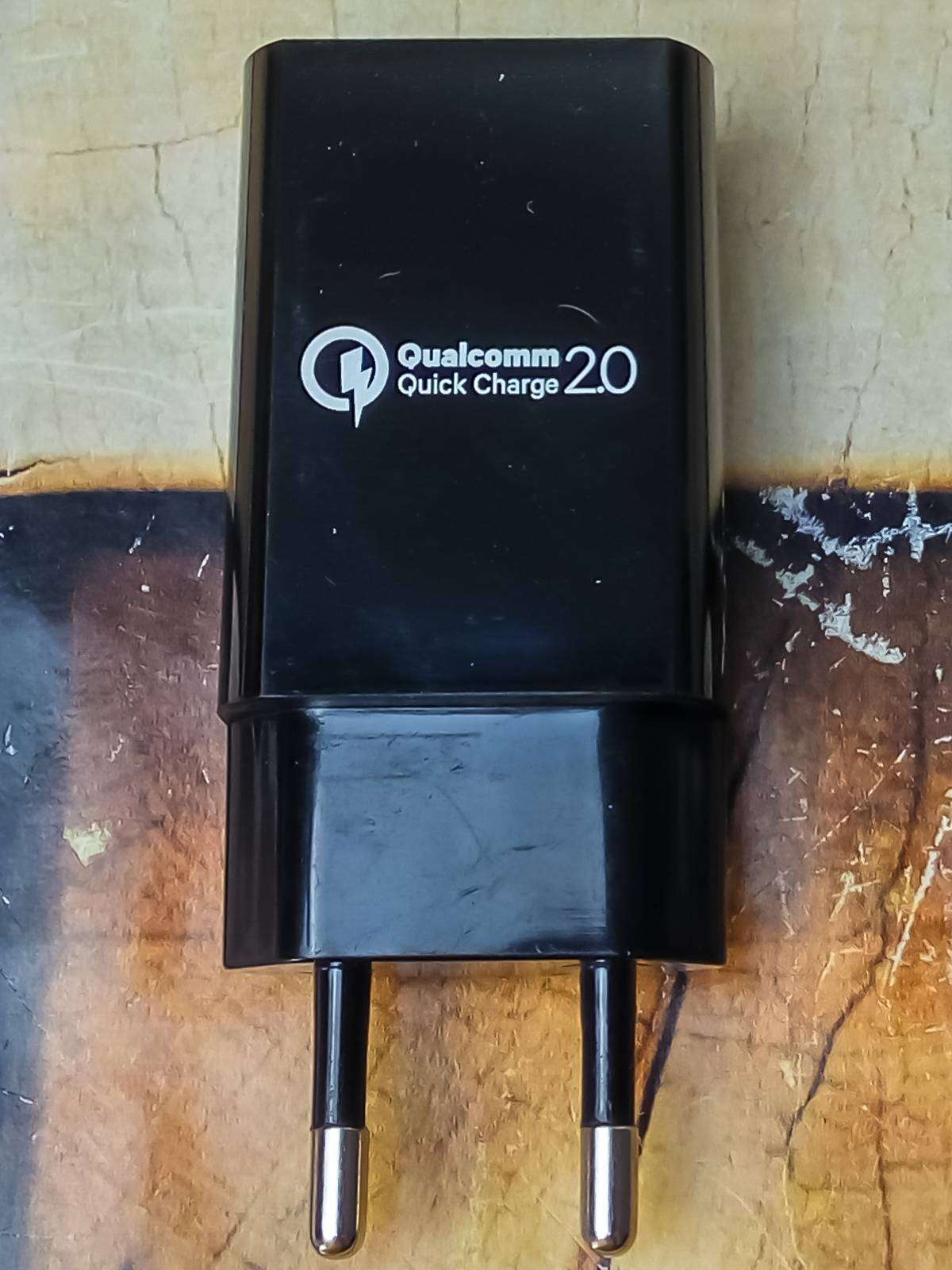 GearBest: Неожиданно честная зарядка с QC2.0 за 3 бакса