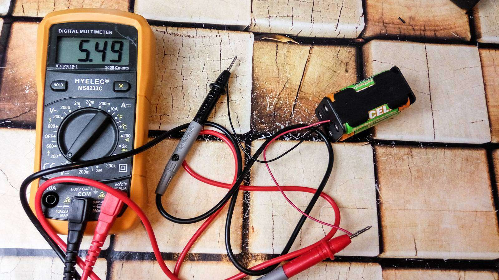 Aliexpress: Боксы для батареек или аккумуляторов АА