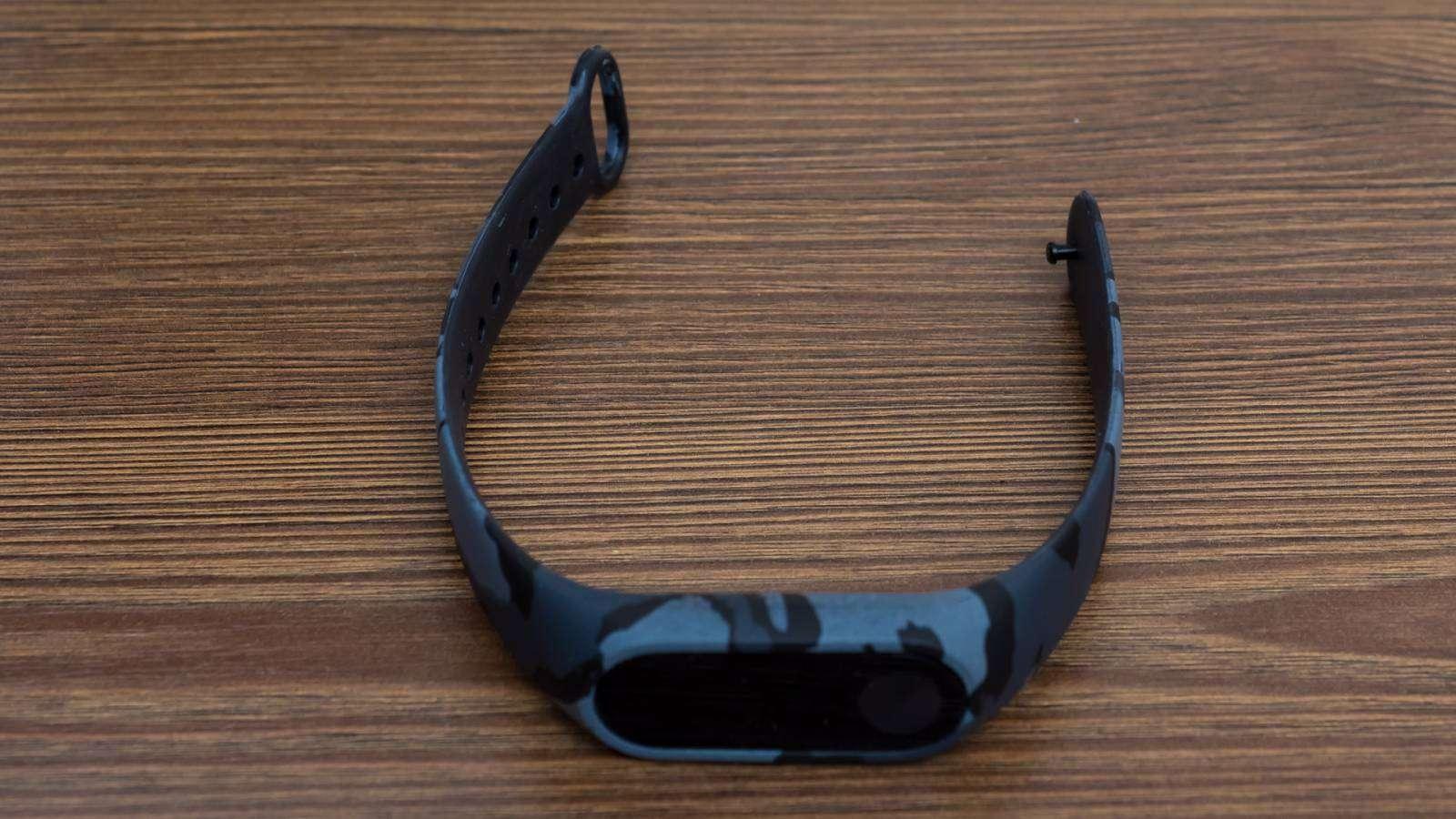 GearBest: Ремешок камуфляжной расцветки для Xiaomi Mi band 2