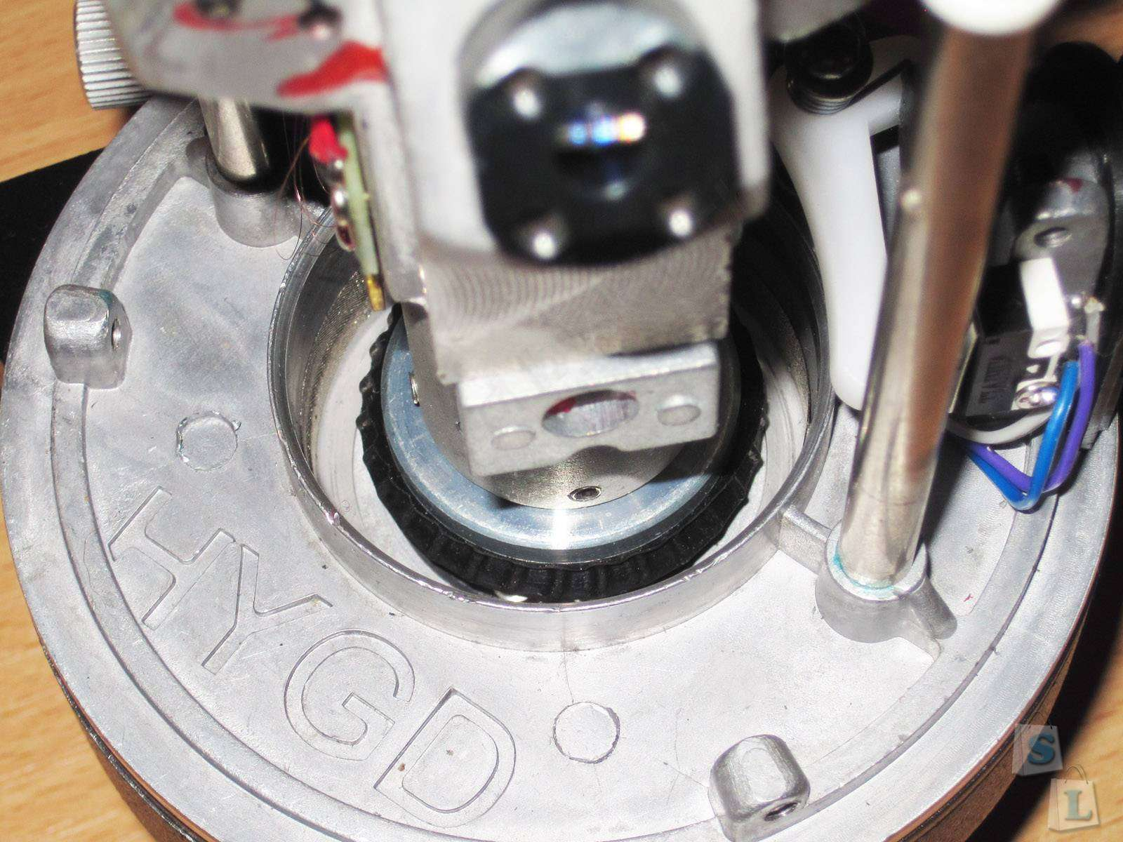 GearBest: BX205, самонивелирующийся перекрёстный лазерный уровень с пятью лучами и отвесом