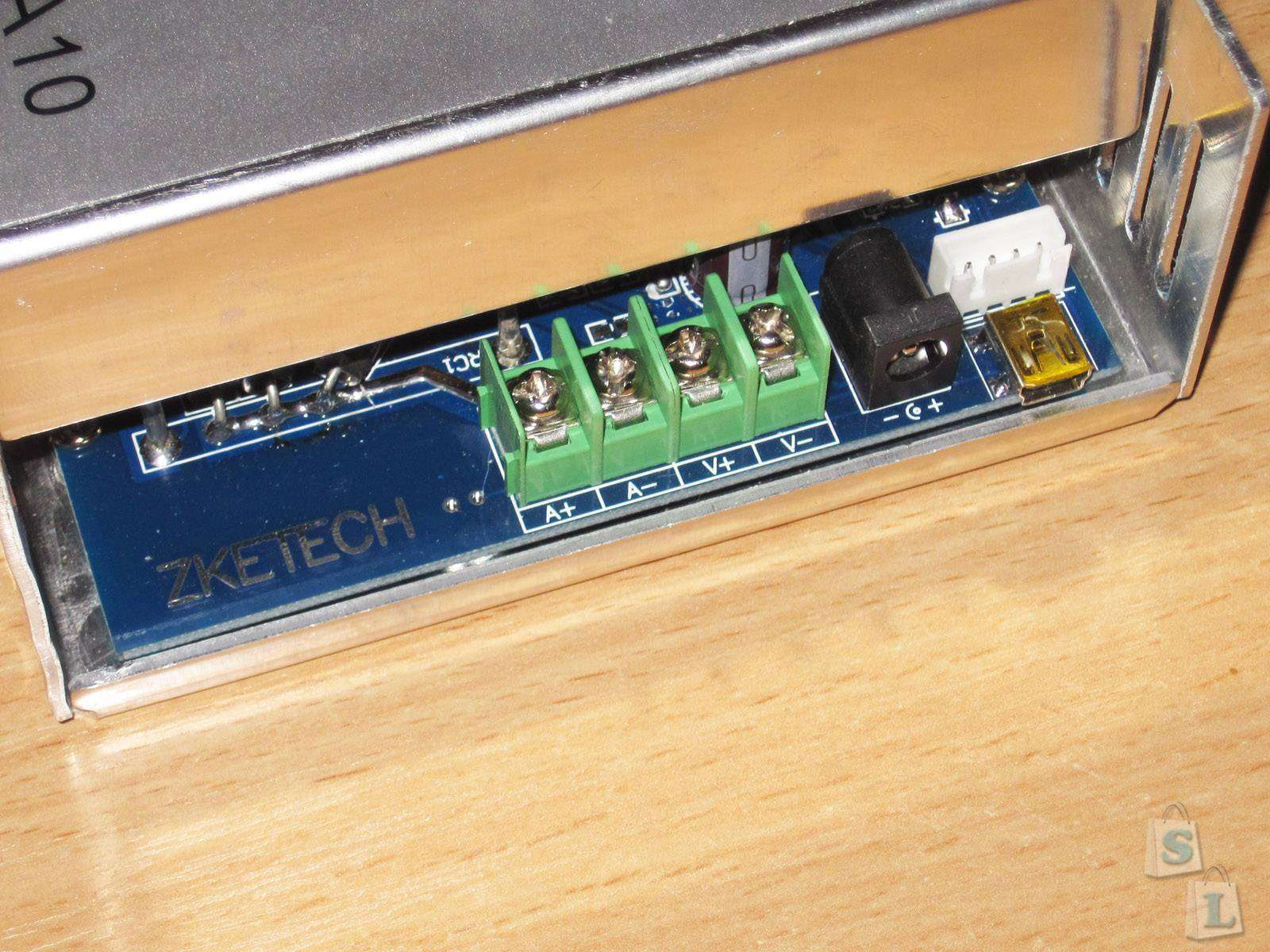 GearBest: ZKE EBC-A10, многофункциональная электронная нагрузка с функцией тестера аккумуляторов