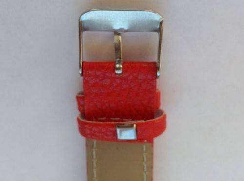 JD.com: Не дорогие женские часики с красным ремешком