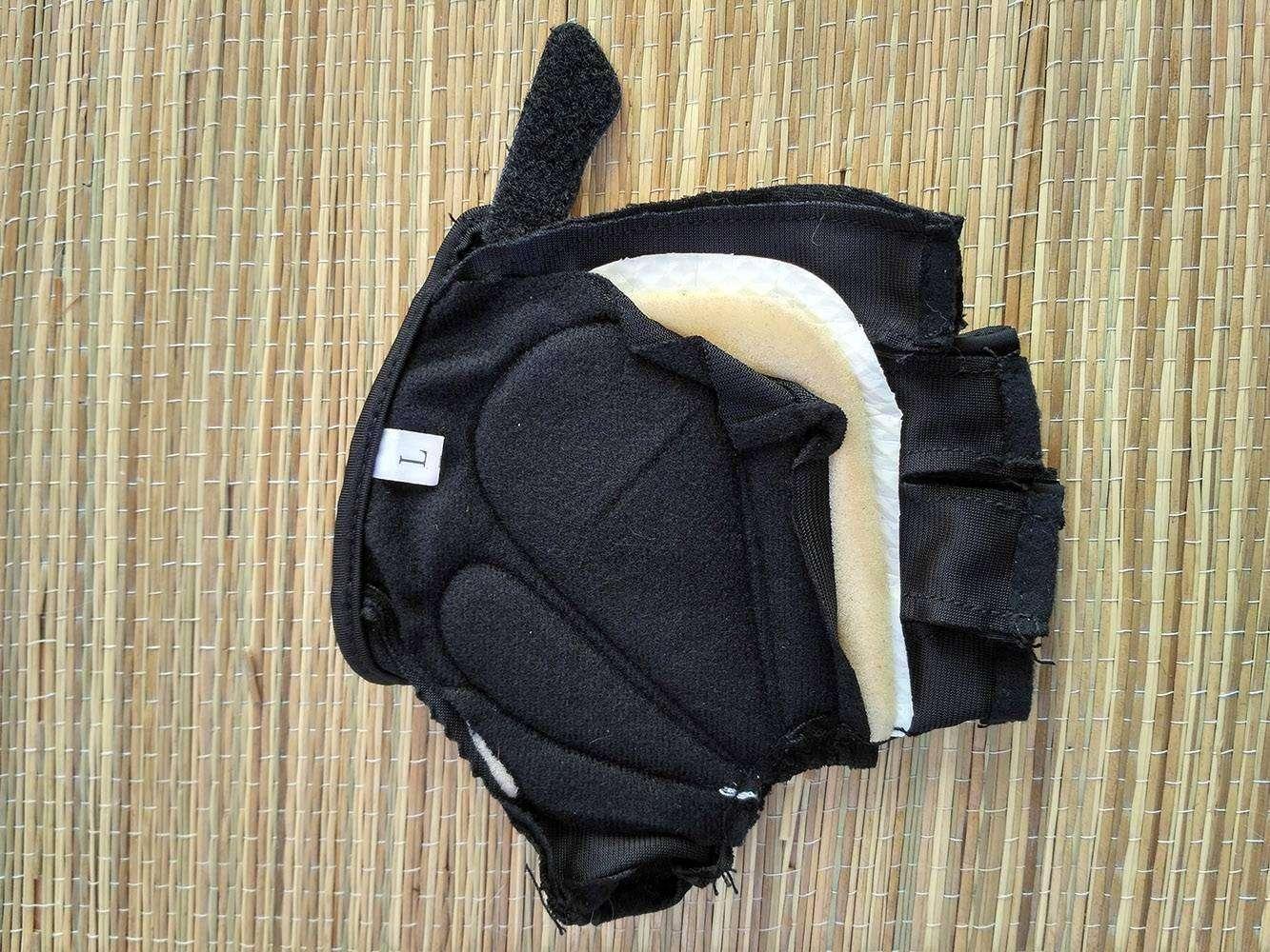 Banggood: Вело перчатки Rockbros