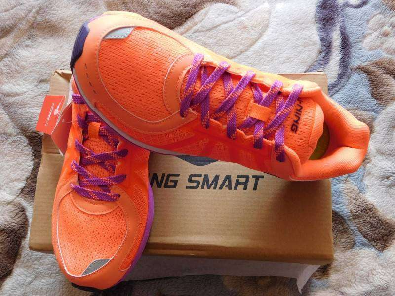 GearBest: Женские умные кроссовки от Xiaomi Mi и Li Ning