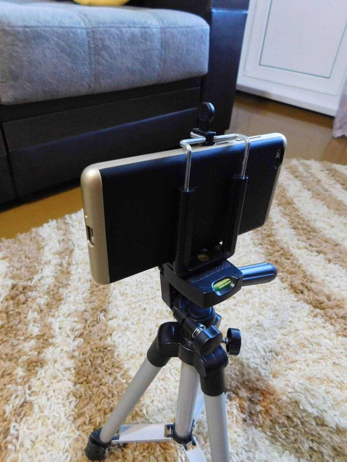 GearBest: Держатель под смартфон для штатива.